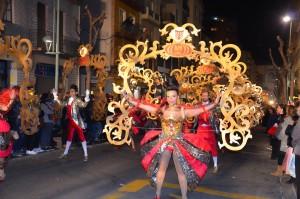 Una imatge de la comparsa Nou Ritme durant la Rua de Carnaval. Foto: Montse Parisí